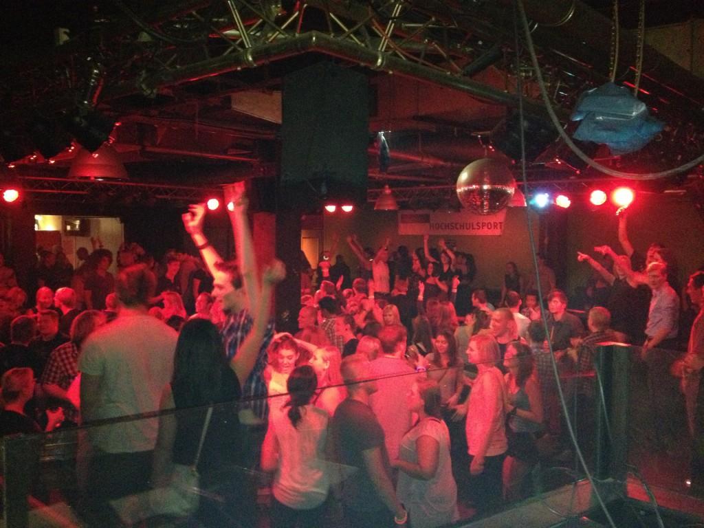 DJ PATRIC Hochzeit, Firmenevent, Betriebsfeier, Corporate Event, Public Event, Eröffnung, Premiere, Filmpremiere, DJ+, DJ Plus, öffentliche und private Veranstaltungen Bochum, Essen, Wuppertal, Köln, Düsseldorf, Witten, Dortmund, Gelsenkirchen, Bonn, Berlin, Hannover, Hamburg