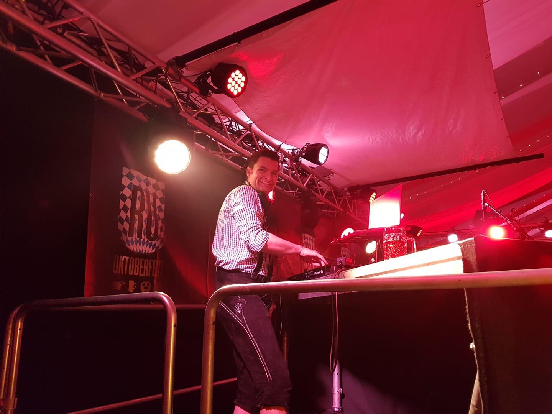 EVENT DJ PATRIC Hochzeit, Firmenevent, Betriebsfeier, Corporate Event, Public Event, Eröffnung, Premiere, Filmpremiere, DJ+, DJ Plus, Gala, öffentliche und private Veranstaltungen
